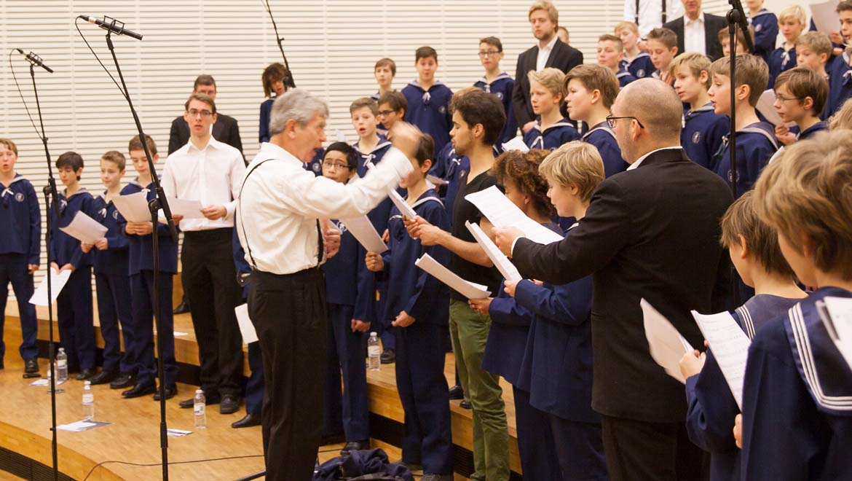 Choir-L-1.jpg
