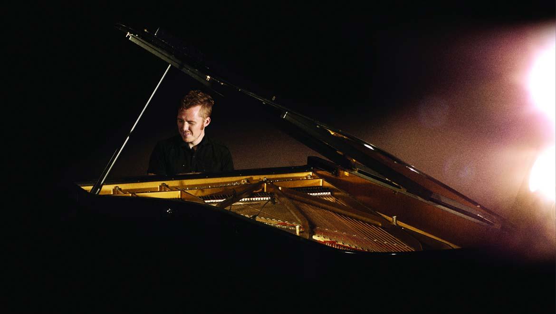Grand-Piano-L-1.jpg