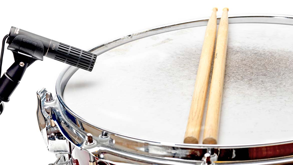 Miking-a-snare-drum-L-1_1.jpg