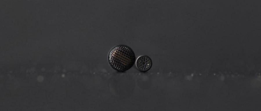 Das 3mm (0,12Zoll) große Subminiature ist 60% kleiner als ein 5mm (0,2Zoll) großes Mikro.